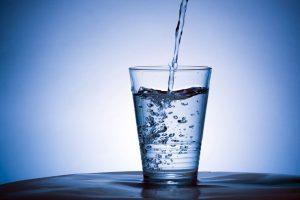 Uống nhiều nước có tốt không ? Công dụng và tác hại là gì ?